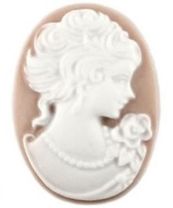 Cabochons beige wit camee lady 13x18mm